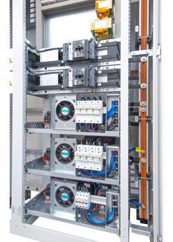 Rozdzielnica Zenergy - fragment - widok baterii kondensatorowych