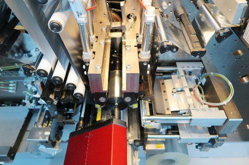 Produkcja kondensatorów Zvar